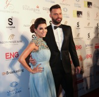 Eva Longoria y Ricky Martin, anfitriones de honor