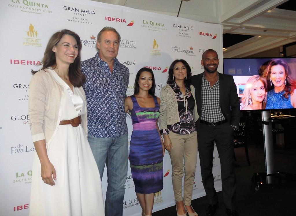 PHOTOCALL con Fabiola Martinez, Bertin Osbore, Alina Peralta, Isabel Gemio y Amaury Nolasco