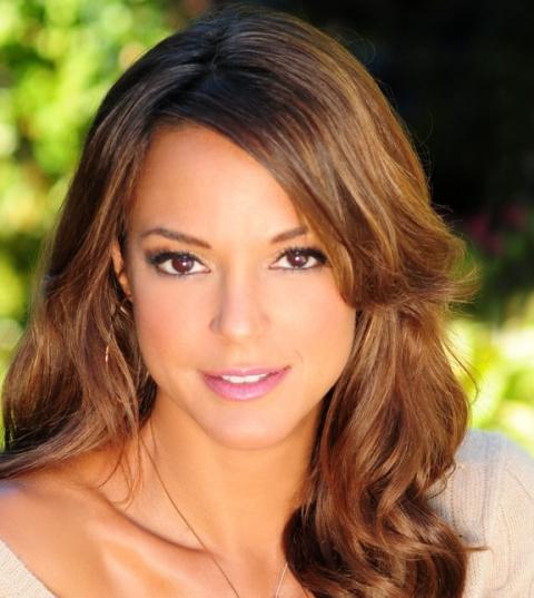 Eva La Rue , presentadora de THE GLOBAL GIFT GALA low