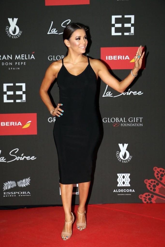 Eva Longoria asiste a LA SOIREE con la comunidad GLobal Gift  low