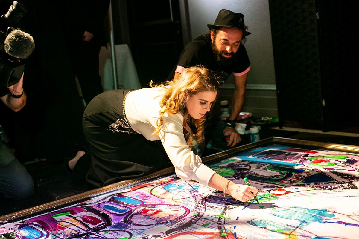 Princesa Beatriz de York y el pintor Sacha Jafri